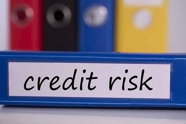 Nợ xấu thẻ tín dụng là gì?Các loại phí phạt khi sử dụng thẻ tín dụng không đúng cách