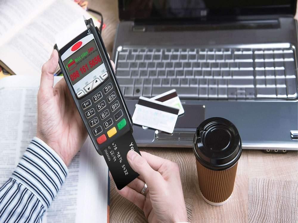 Những bất cập khi rút tiền thẻ tín dụng bạn cần lưu ý